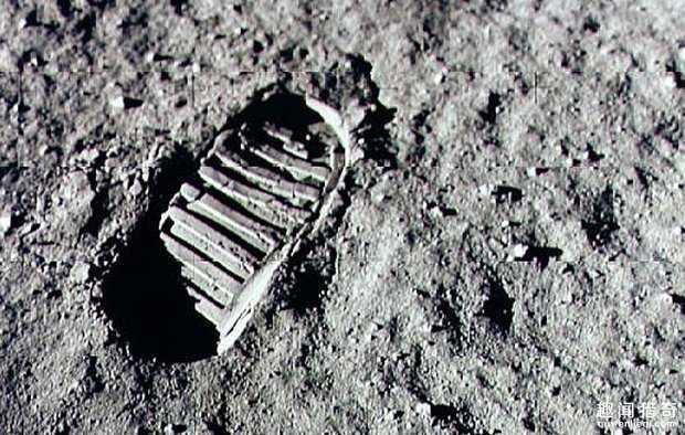 电影监制透露美国首次登月是假的,他说未经编辑录像是铁证!94 / 作者:UFO来啦 / 帖子ID:64972