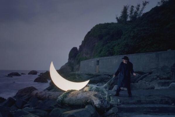 为什么人走月亮也走:参照物为身旁景物(相对运动导致)25 / 作者:UFO爱好者 / 帖子ID:67779
